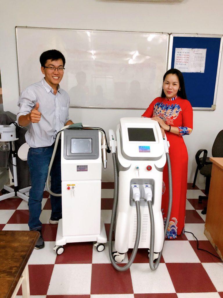 Hình ảnh chuyển giao máy xoá xăm RG399 Plus cho trung tâm dạy nghề nhà văn hoá thanh niên Tphcm