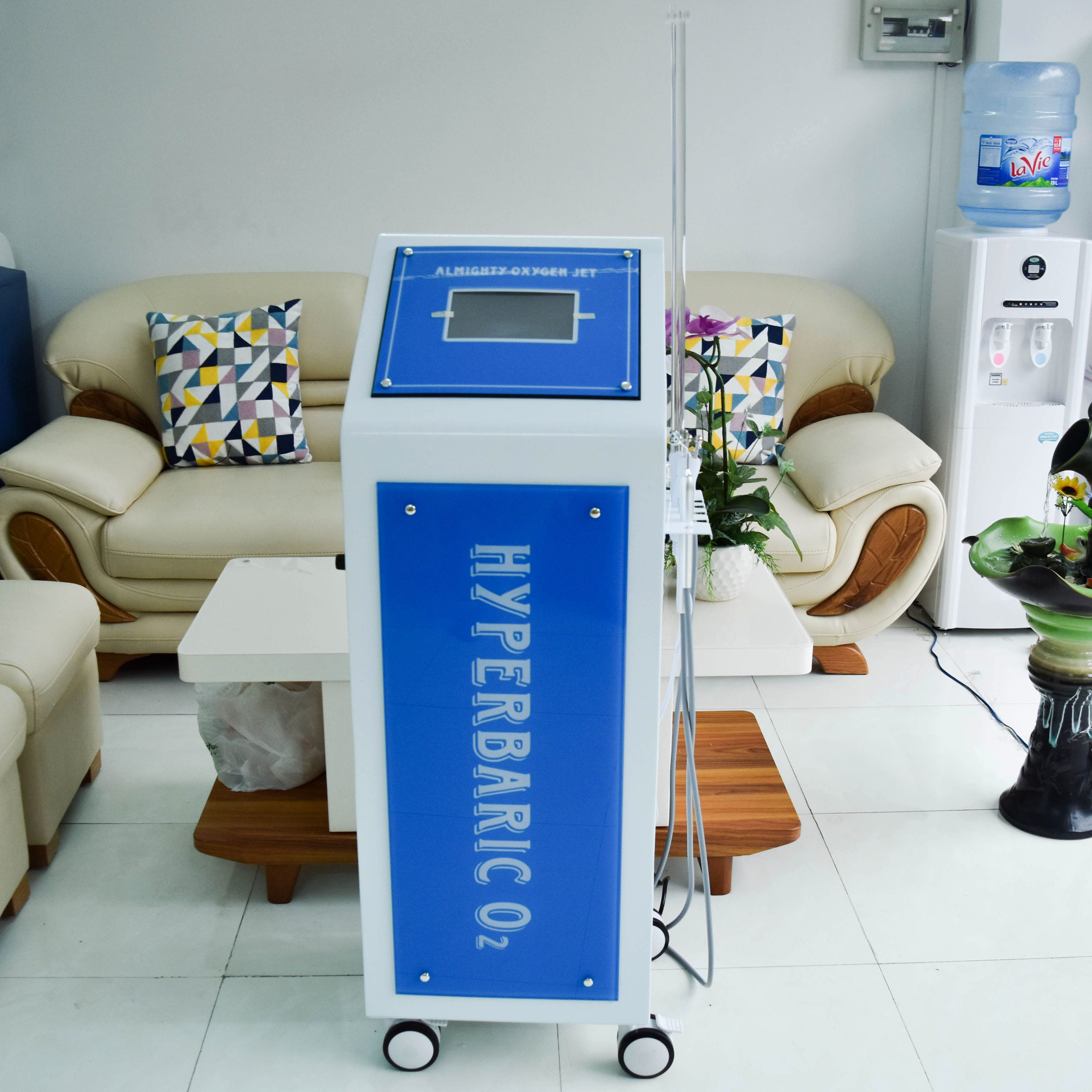 Máy Oxygen Hyperbaric O2 - model 2018