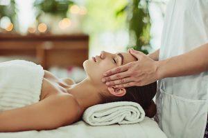 Kem-massage-chuyen-dung-cho-nang-co-mat-va-body