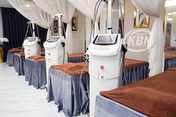 Hình ảnh máy giảm béo Max Burn Lipo Công Ty HanaKBN chuyển giao cho khách hàng spa