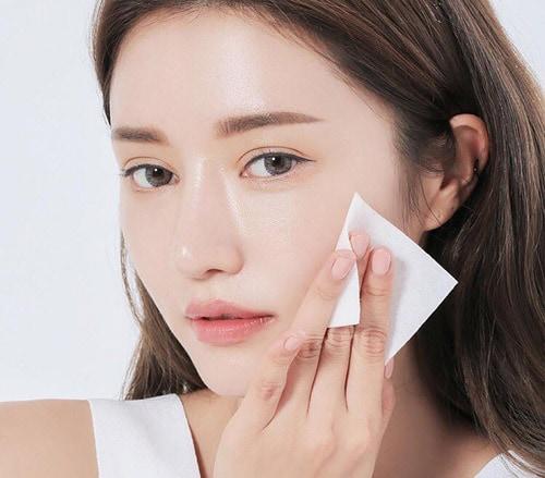 Chăm sóc da sau khi điều trị mụn là bước làm đẹp quan trọng