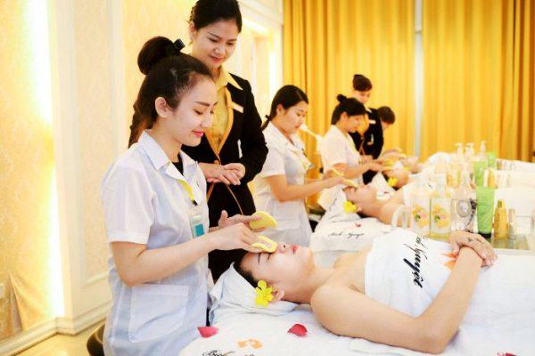 đào tạo nhân viên cho spa