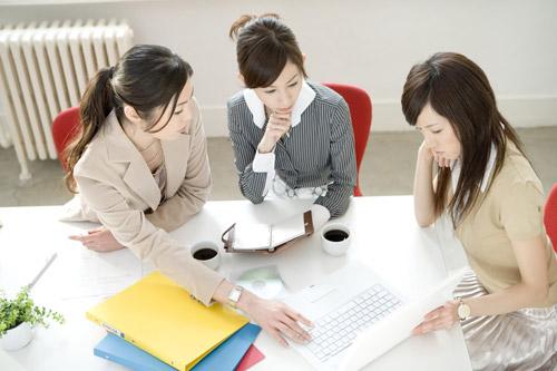 tìm kiếm khách hàng qua kênh trực tuyến