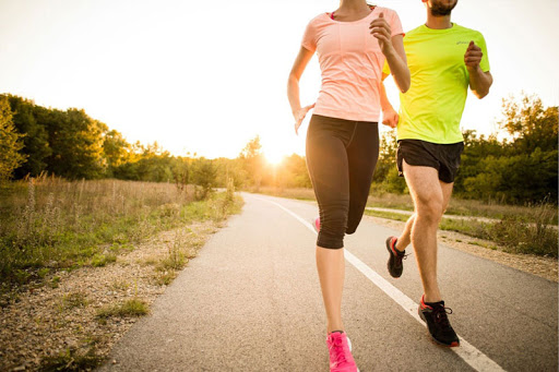 Thường xuyên chạy bộ vào mỗi buổi sáng