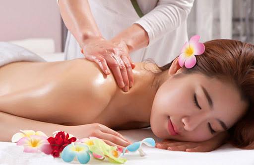 massage toàn thân tại spa mini
