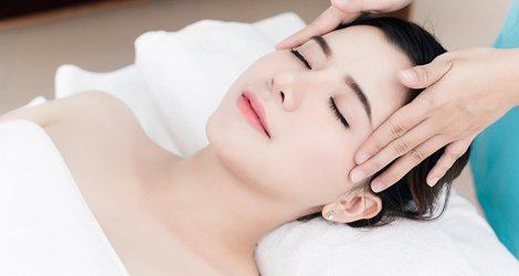massage mặt nâng cơ